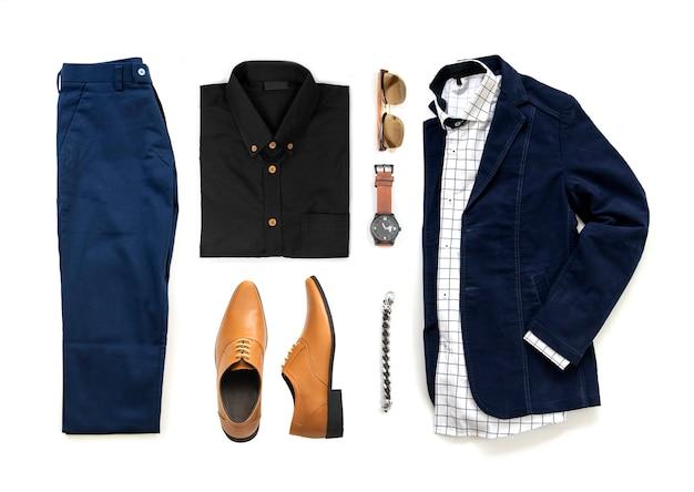 オックスフォードの靴、時計、青いズボン、サングラス、オフィスシャツ、白い背景、トップビューで分離されたジャケット入り紳士服