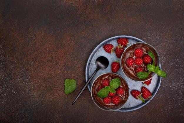 ラズベリー入りチョコレートムース