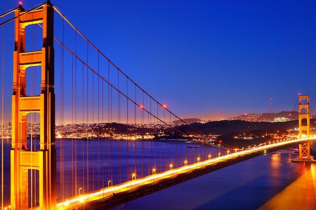 Знаменитый мост золотые ворота в сан-франциско, штат калифорния, сша