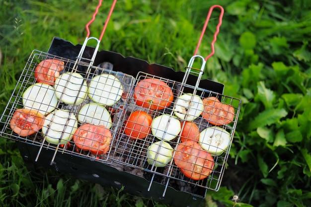 野菜のフライパン、明るい写真