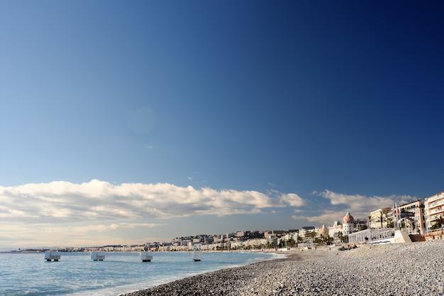 ニースのビーチの眺め
