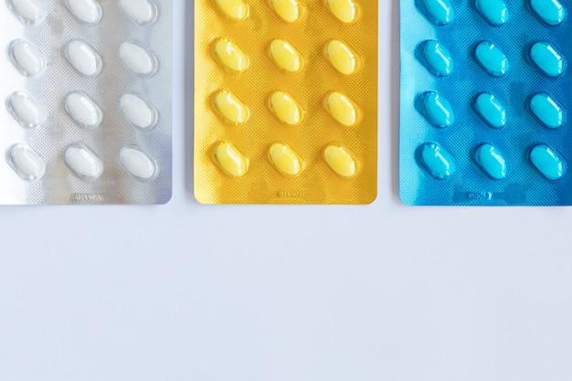 ブリスターパックの薬の丸薬。医療コンセプト