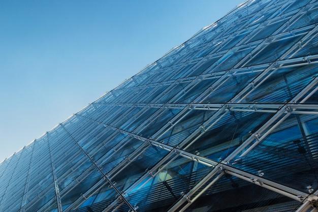 ガラス張りの建物の抽象的な背景