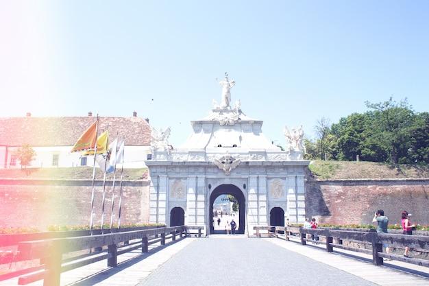 Старый замок ворота