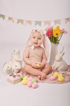 イースター組成のかわいい赤ちゃん