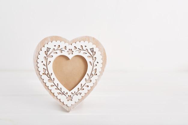 Милая фоторамка в форме сердца