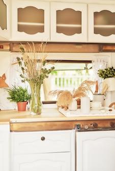 Кухонные аксессуары в мобильном доме