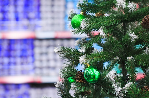 Представлены предметы декора для дня благодарения и рождества в разных дизайнах и цветах.