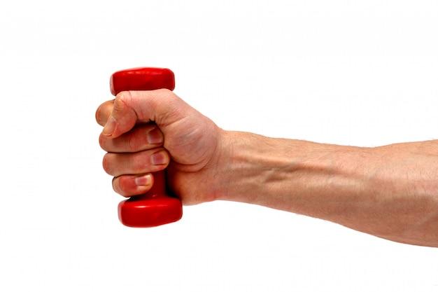 Мужская рука держа красную гантель изолированный. минималистичная концепция.