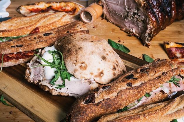 典型的なイタリアのスナックの拡大図。地中海料理分離イメージ。