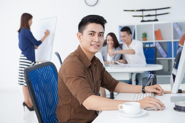 Молодой предприниматель