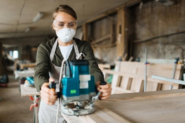 木製工作物の研磨での練習