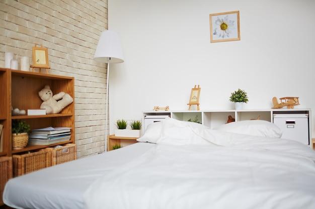 ベッドルームのベッド