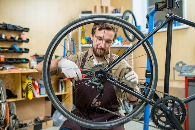 Регулировка велосипедной цепи