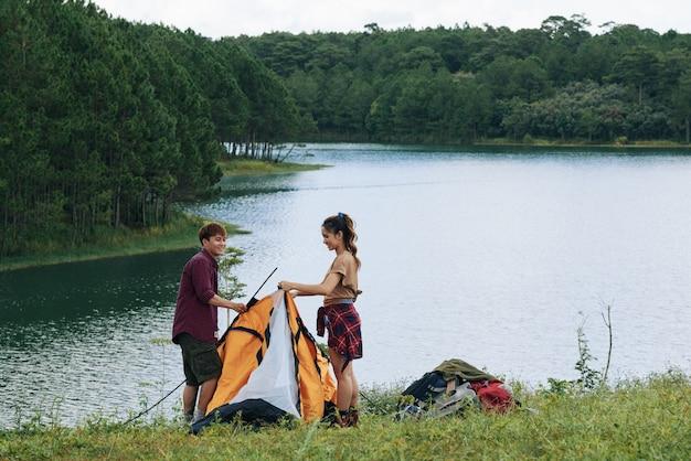 Сборка палатки вместе