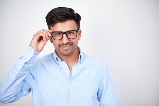 眼鏡に自信を持って実業家