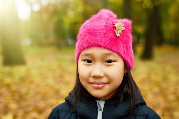 Осенняя девушка осенью