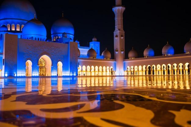 アラブ首長国連邦、アブダビのシェイクザイードモスク