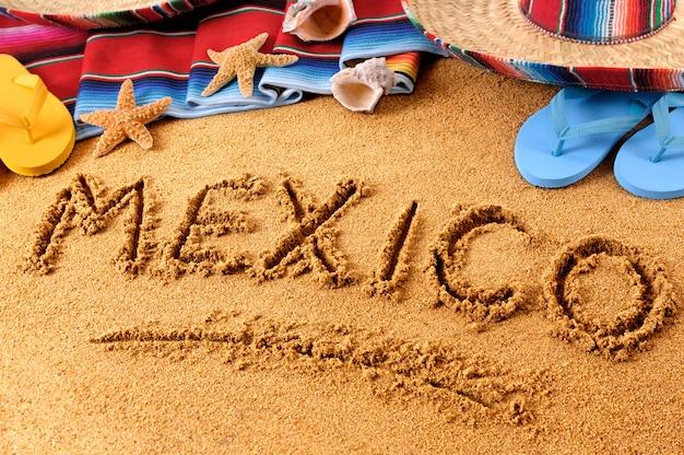 メキシコのビーチの執筆