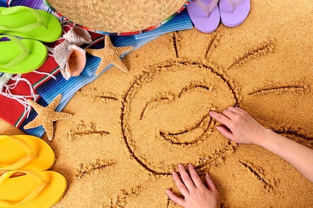 メキシコの笑顔のビーチの太陽