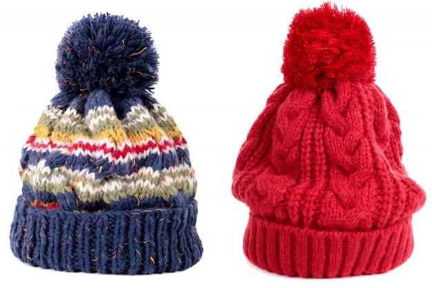 上のボールと冬の帽子