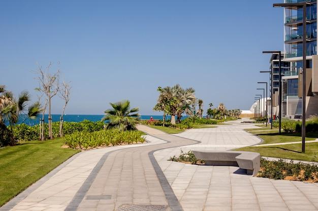 ドバイの青い海の島の住宅