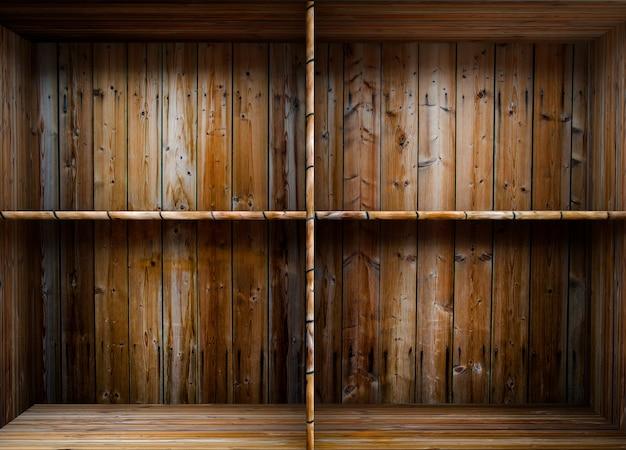 Пустая деревянная полка