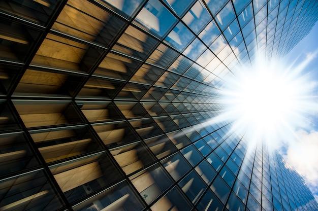 高層ビルのメガネ