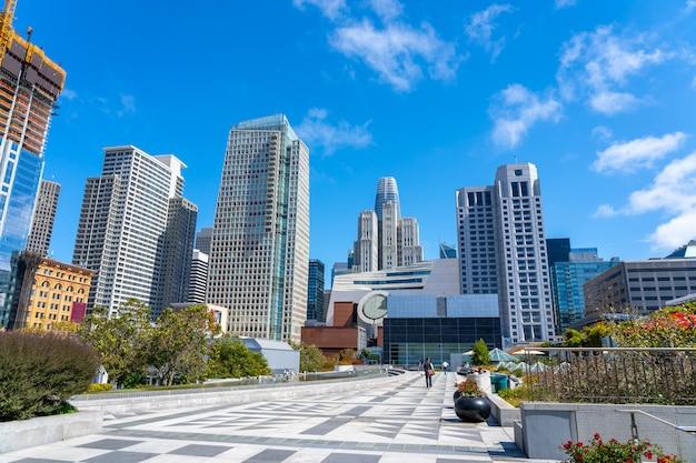サンフランシスコの近代的な高層ビル