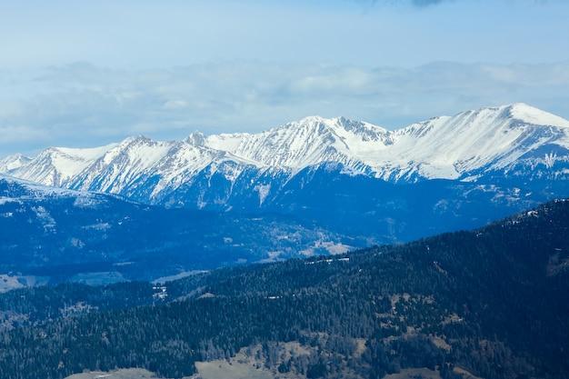 冬の風景、スキーリゾートのパノラマ。アルプス。オーストリア。ムラウ。クライシュベルク