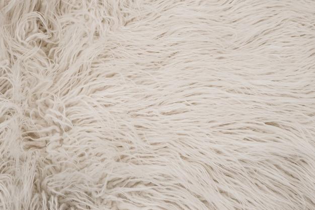 白シャギー毛皮の質感。