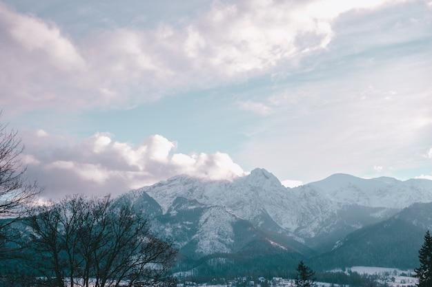 Татры зимой, снимок делают с каспровы, закопане