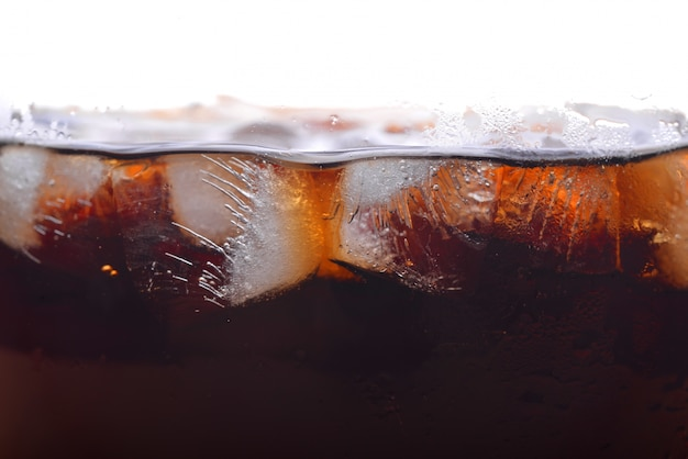 Сода, кола, холодный напиток.