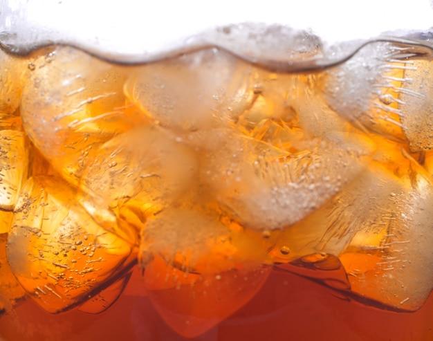 ソーダ、コーラ、コールドドリンク。