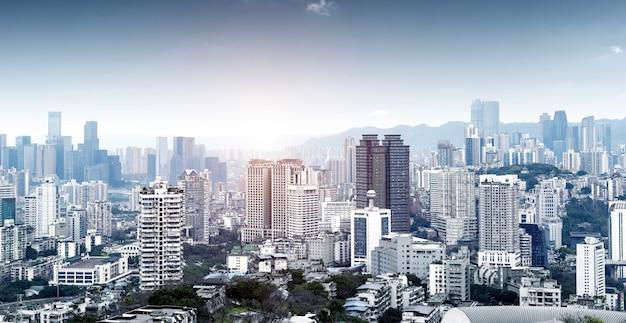 現代の大都市のスカイライン、重慶、中国、