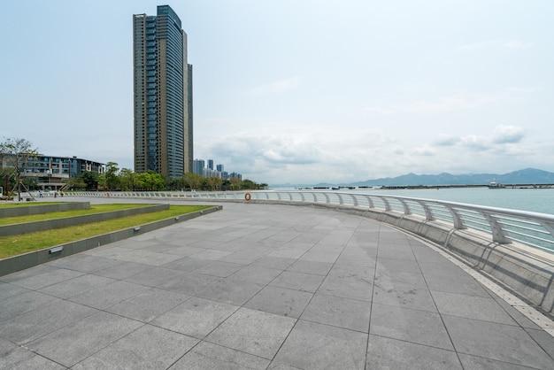 深セン、中国の海上世界公園シーサイドスクエア