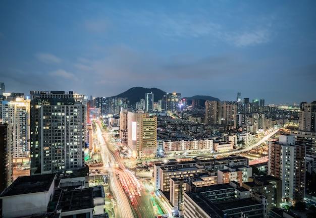 深セン、中国の近代的な都市建築の風景