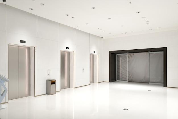 Вход в лифт находится в торговом центре