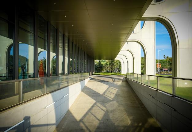 Архитектура отеля в олимпийском парусном центре циндао, китай