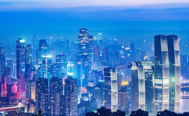 Панорамный городской пейзаж, красивый ночной вид на город чунцин в китае