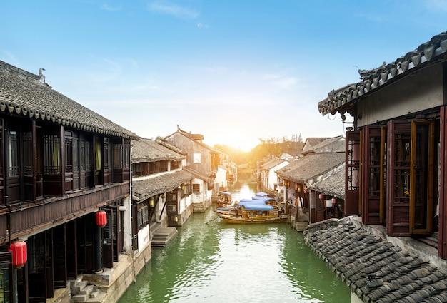 Декорации древнего города чжоучжуан, сучжоу, китай