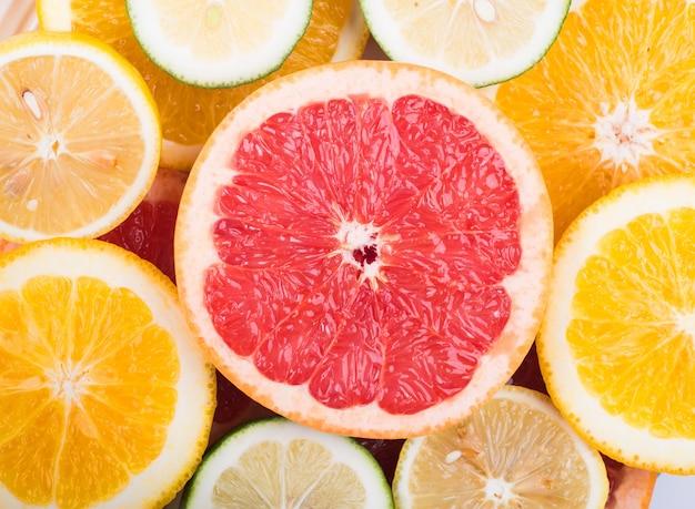 赤いオレンジ