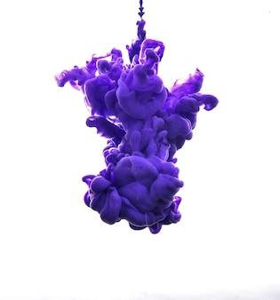 水に紫のインク