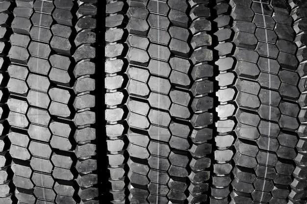 Автомобильные шины крупным планом