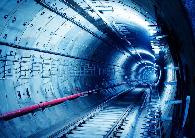 地下鉄トンネル