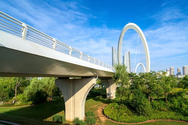 南京、中国にある近代的な橋