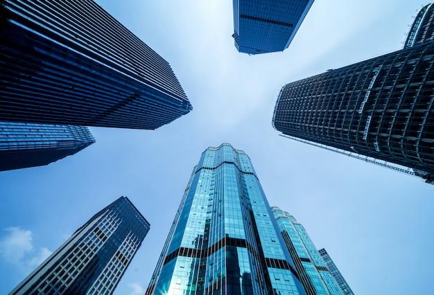 高層ビルの底面図