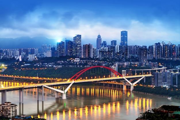 中国重慶の街の明かり