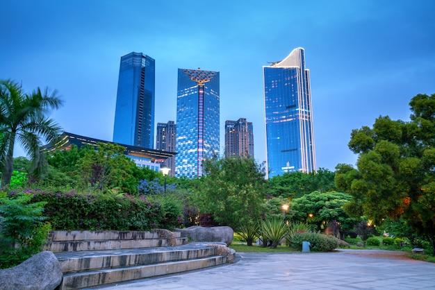 シティスクエアと超高層ビル
