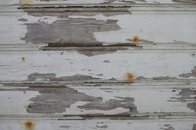 古い木造の壁